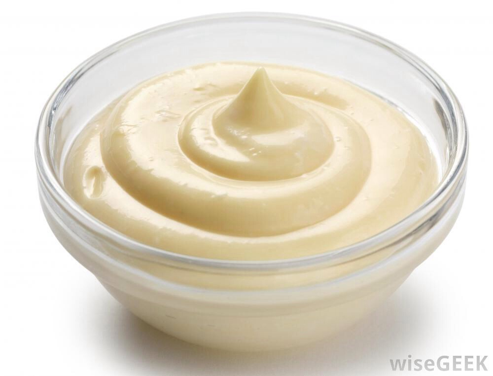 Mayonnaise: sounds disgusting, but mayonnaise is made of eggs, vinegar and oil, all three of which have been used for many years to give volume, shine and hydration to hair. For dry and damaged hair it's best used mixed with avocado, although it can be used alone.