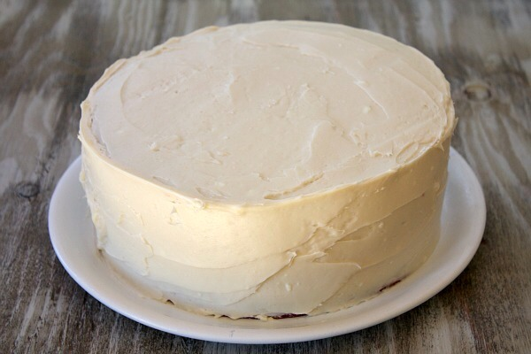 Have a pre-iced white cake