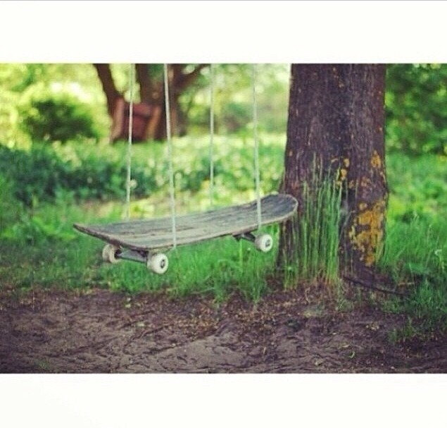 Use rope and a tree to create a creative swing...color it for better design👌