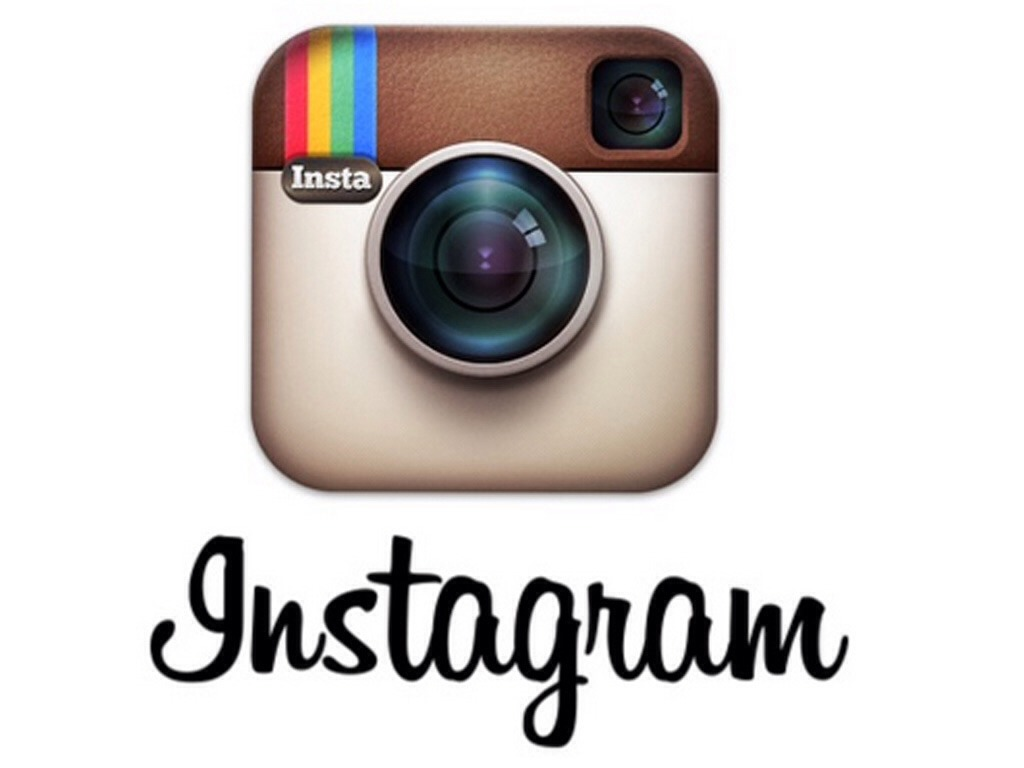 Instagram is perfect to stay connected with friends and to post pictures documenting your life or your best shared moments.