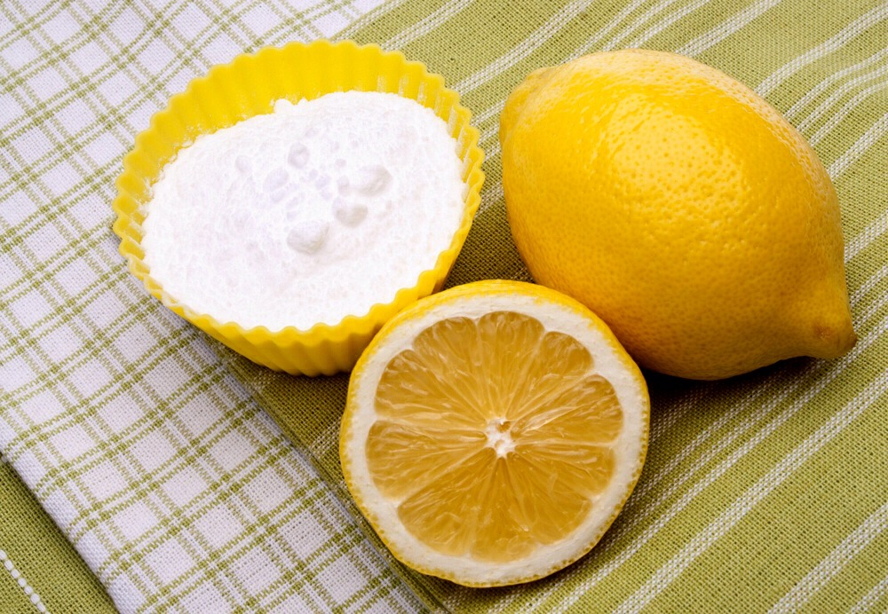 How To Make Your Teeth Whiter With Baking Soda And Lemons Limes By
