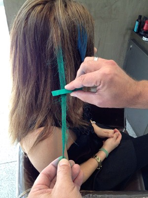 2. Go over the wet strand of hair with your chosen hair chalk colour🎨