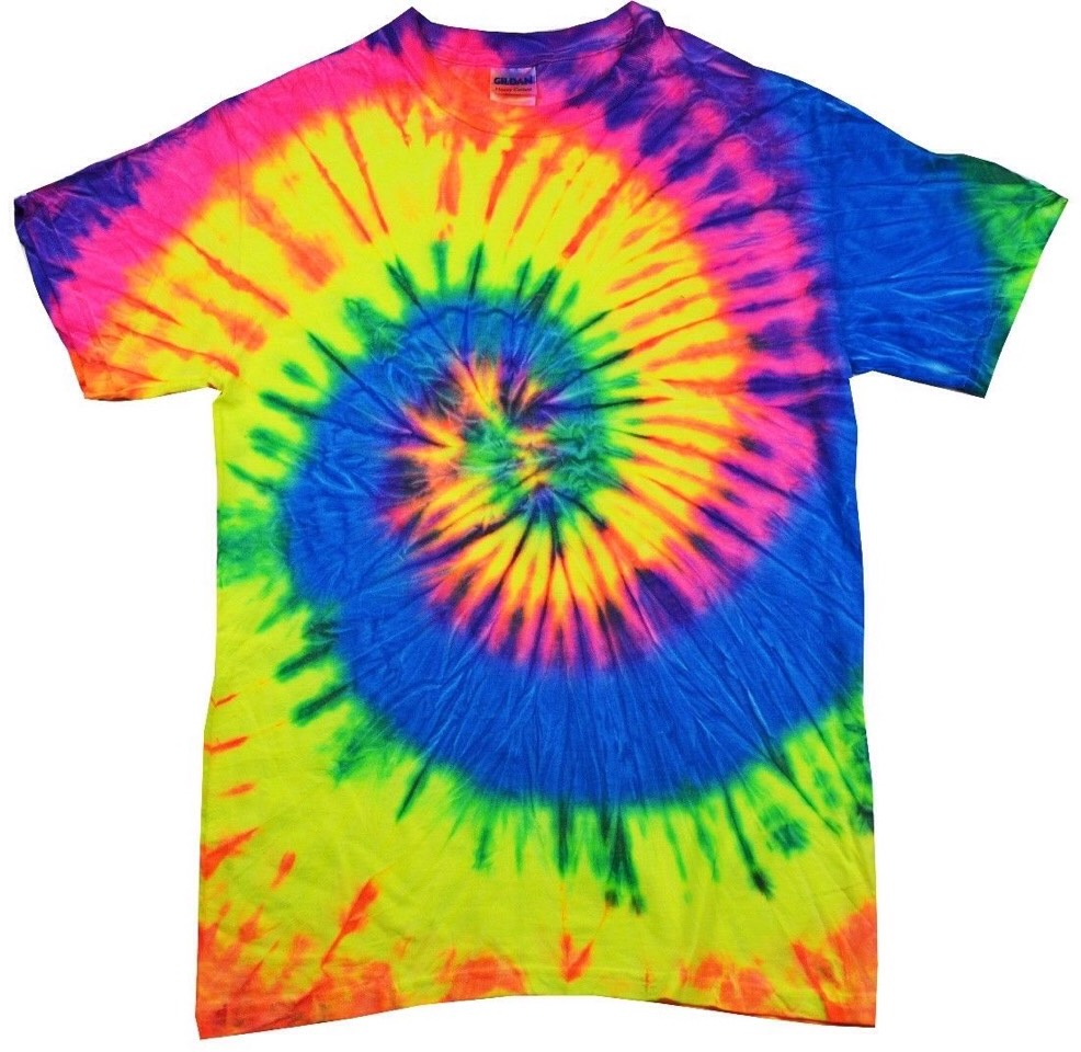Tie dye tops look so cute when your have no time in the morning