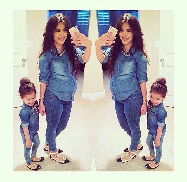 71889f25e9221 🎀Pregnant Mother With Daughter Matching Outfit Ideas✨ Like 4⃣more!👍👍