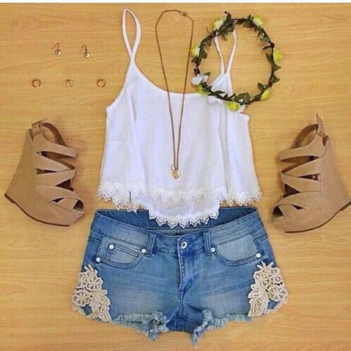 •White crop top w/ lace lining •Denim  shorts w/ lace trim •Nude wedges  •Flower crown •Simple gold necklaces