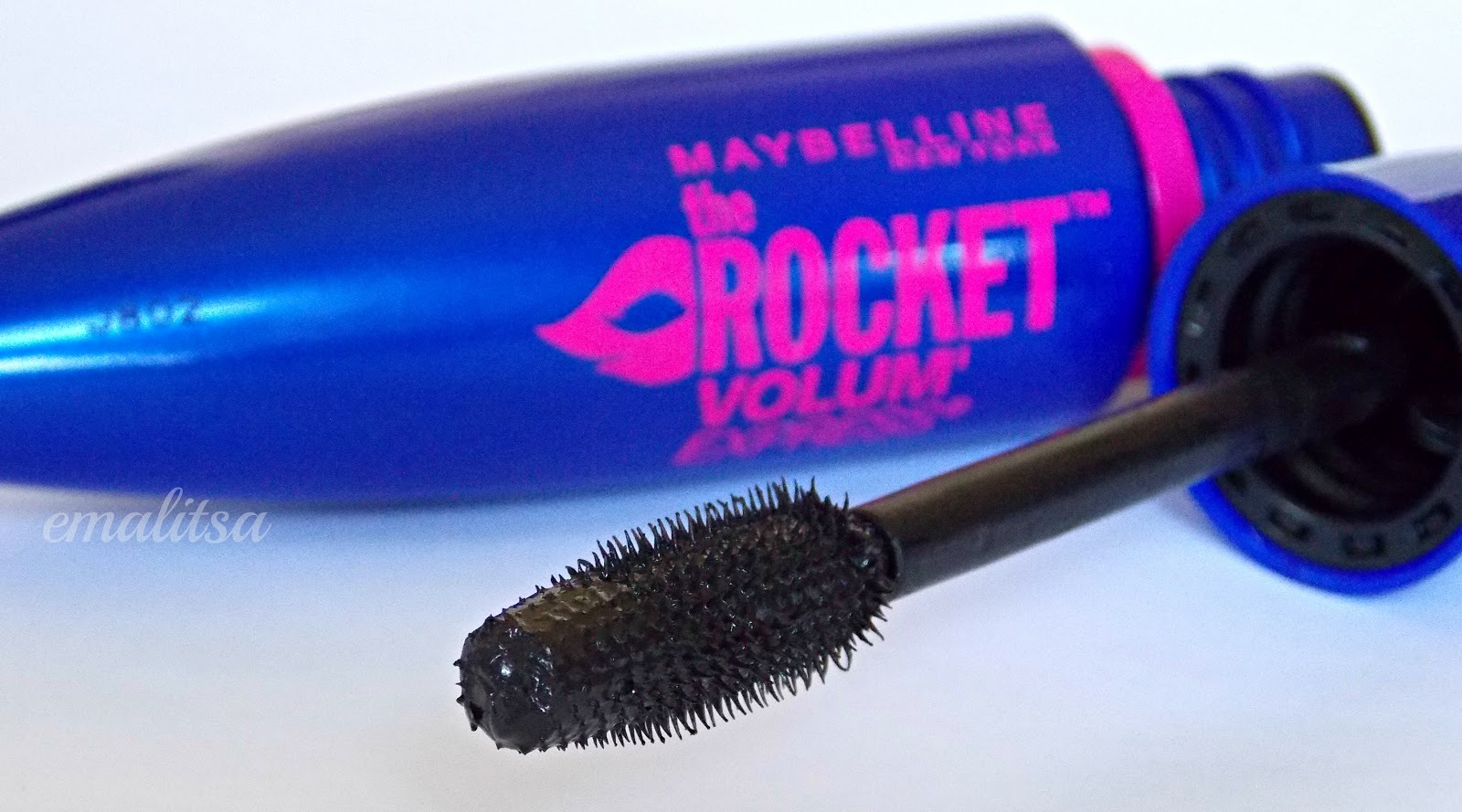 2- after apply a mascara who is going to separate the eyelashes