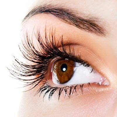 In this tip, you wil discover how to get long lashes in 5 steps. This only takes about 2 min and you will see growth in just a few days!