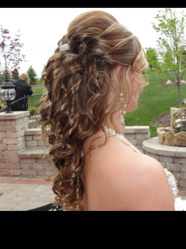 different hair styles 20 different prom hairstyles musely 3985