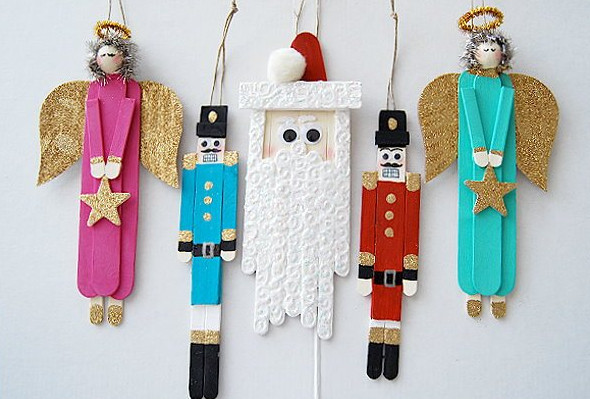 How cute are these angels and nutcrackers?