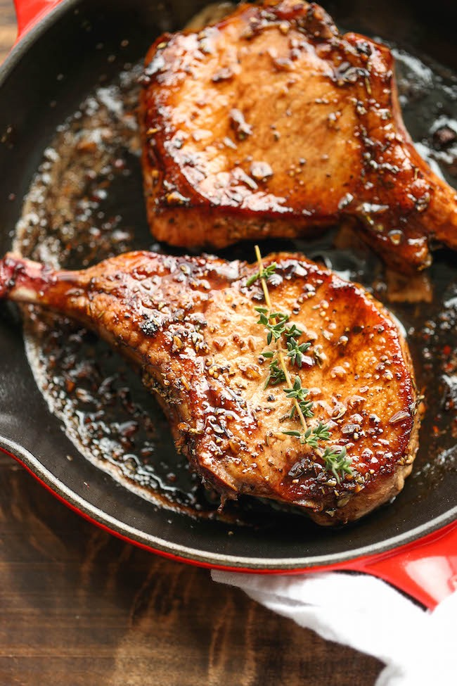 The easiest, no-fuss, most amazing pork chops ever, made in 20 min from start to finish. You can't beat that!