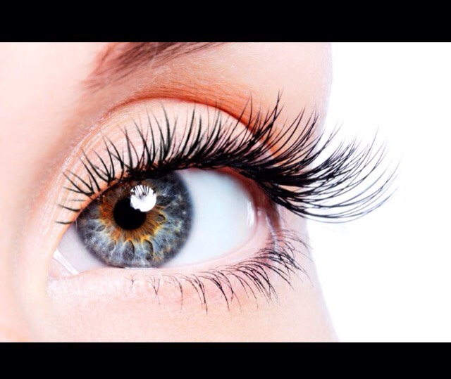 Stop using mascara and just follow these tips