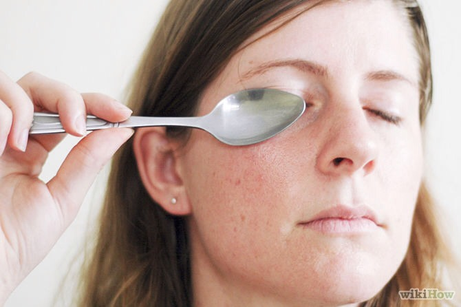 1.Put a spoon under warm water  2.put on your dark circles 3.leave for 30seconds 4.do it twice a day everyday!