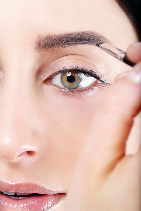The Easiest Way To Get Fuller Looking Eyebrows! - Musely