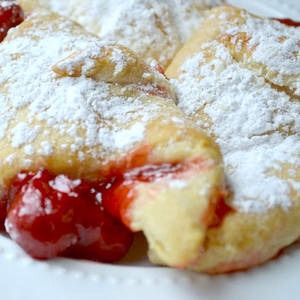 Cherry Cheescake Breakfast Bundles: http://www.lemontreedwelling.com/2013/02/cherry-cheesecake-breakfast-bundles.html