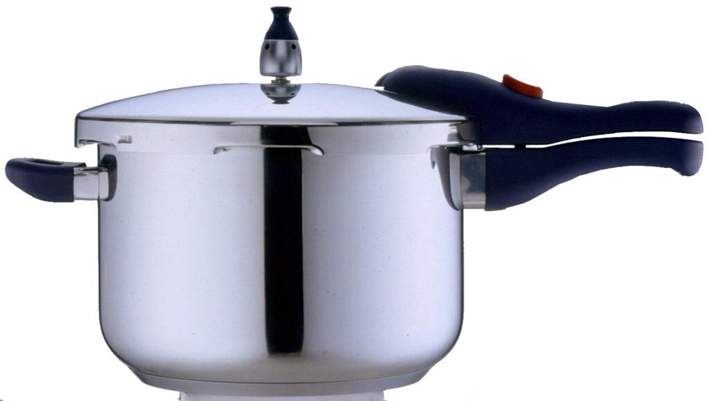 1) Add oil in a pressure cooker.