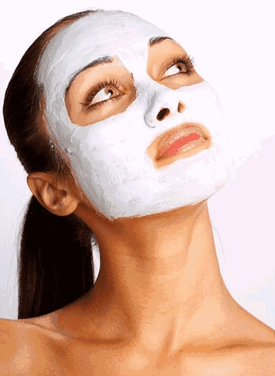 While waiting for your Facial Mask to dry; it's the best time to pluck your eyebrows, wait for it to dry around your eyes and it won't hurt as it normally would.
