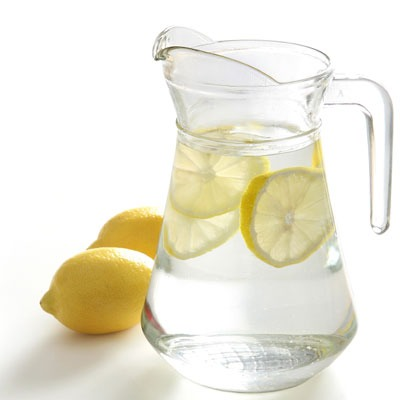 Lemon infused water boosts your metabolism and promotes weight loss!