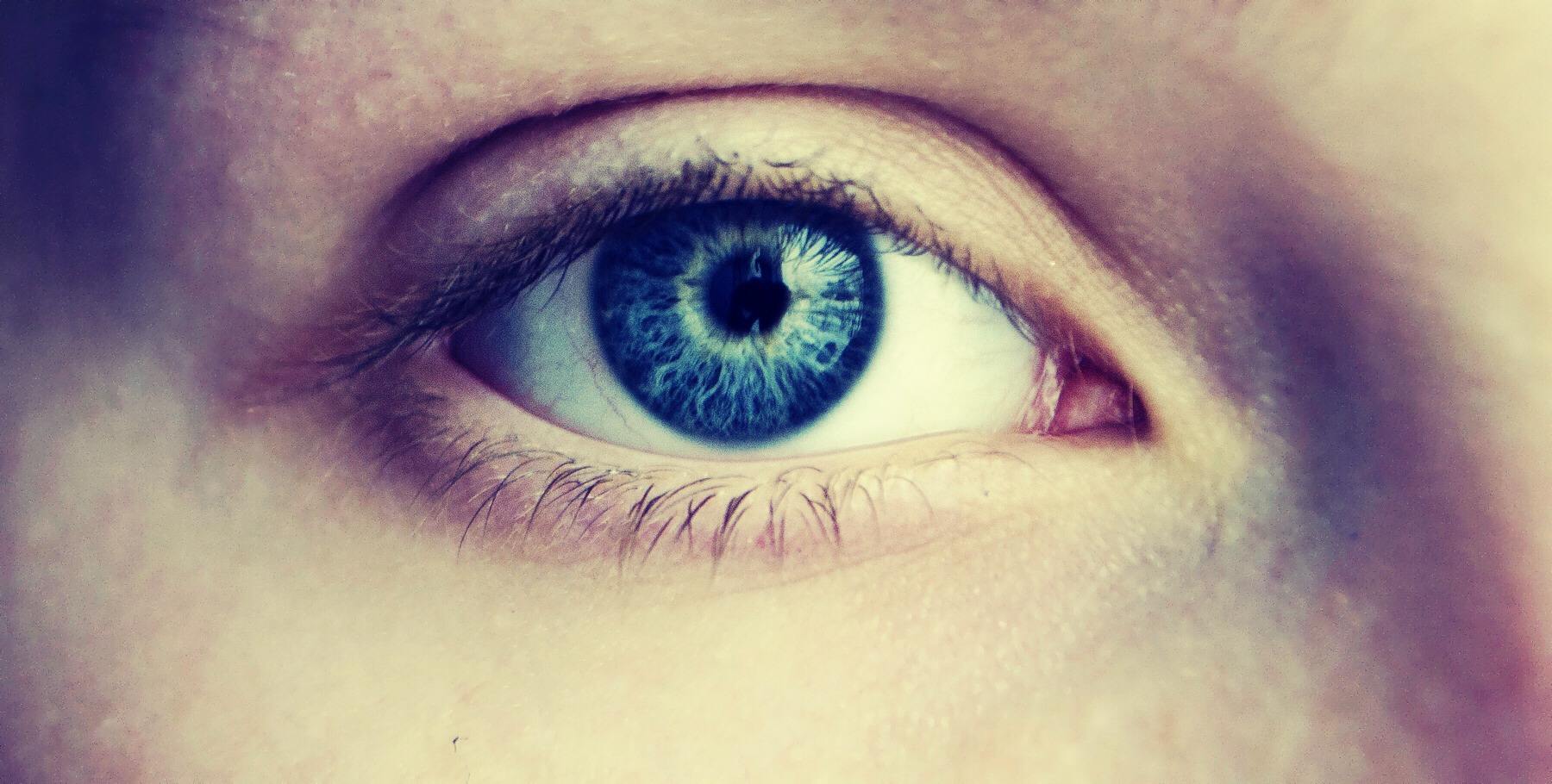 No one wants boring eyes like this...