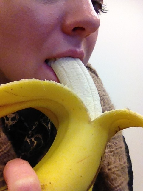 how does eating banana during review Treato does not review third-party posts for accuracy of any kind, including for medical diagnosis or treatments, or events in general treato does not provide medical advice, diagnosis or treatment usage of the website does not substitute professional medical advice.