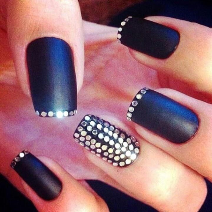 Blingy nail design...