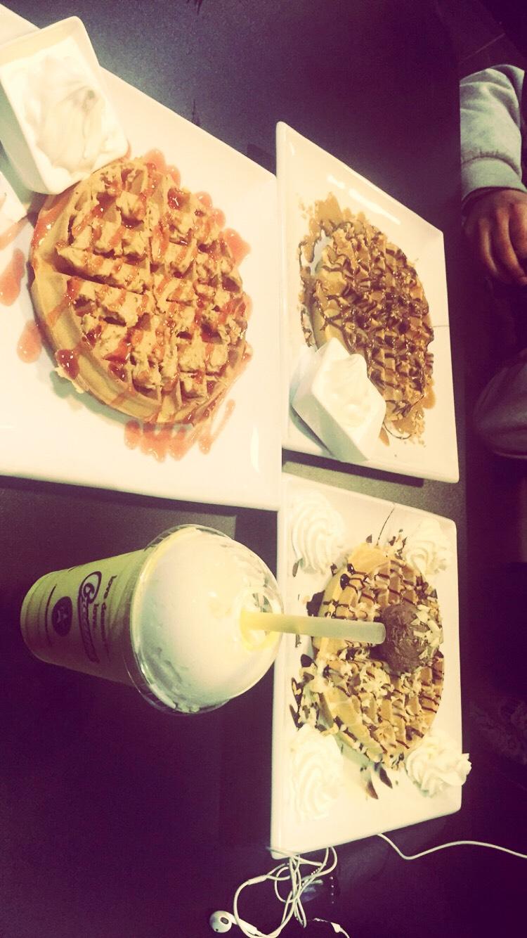 Creams's waffles n milk shake  So delicious