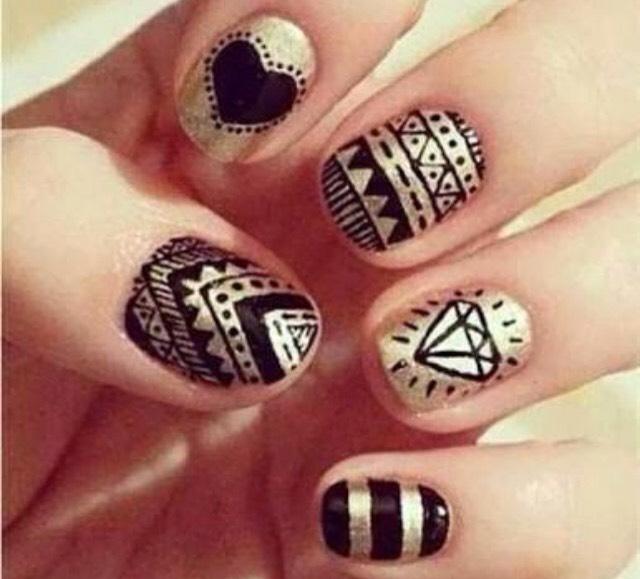 Metallic nails ready for school 🙋🏼🎒