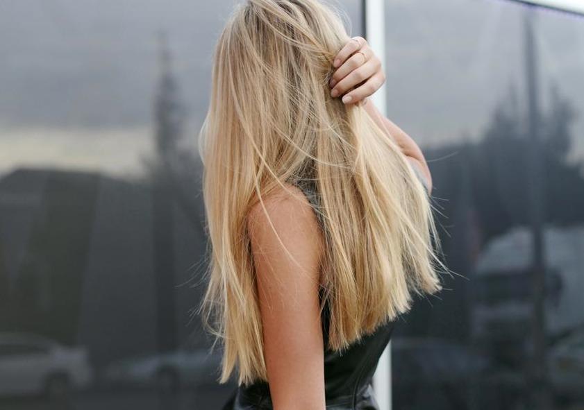kartinka-blondinki-s-szadi