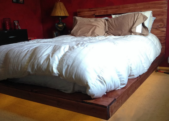 As you can see in the pictures the bed really does look like it is floating in the air.