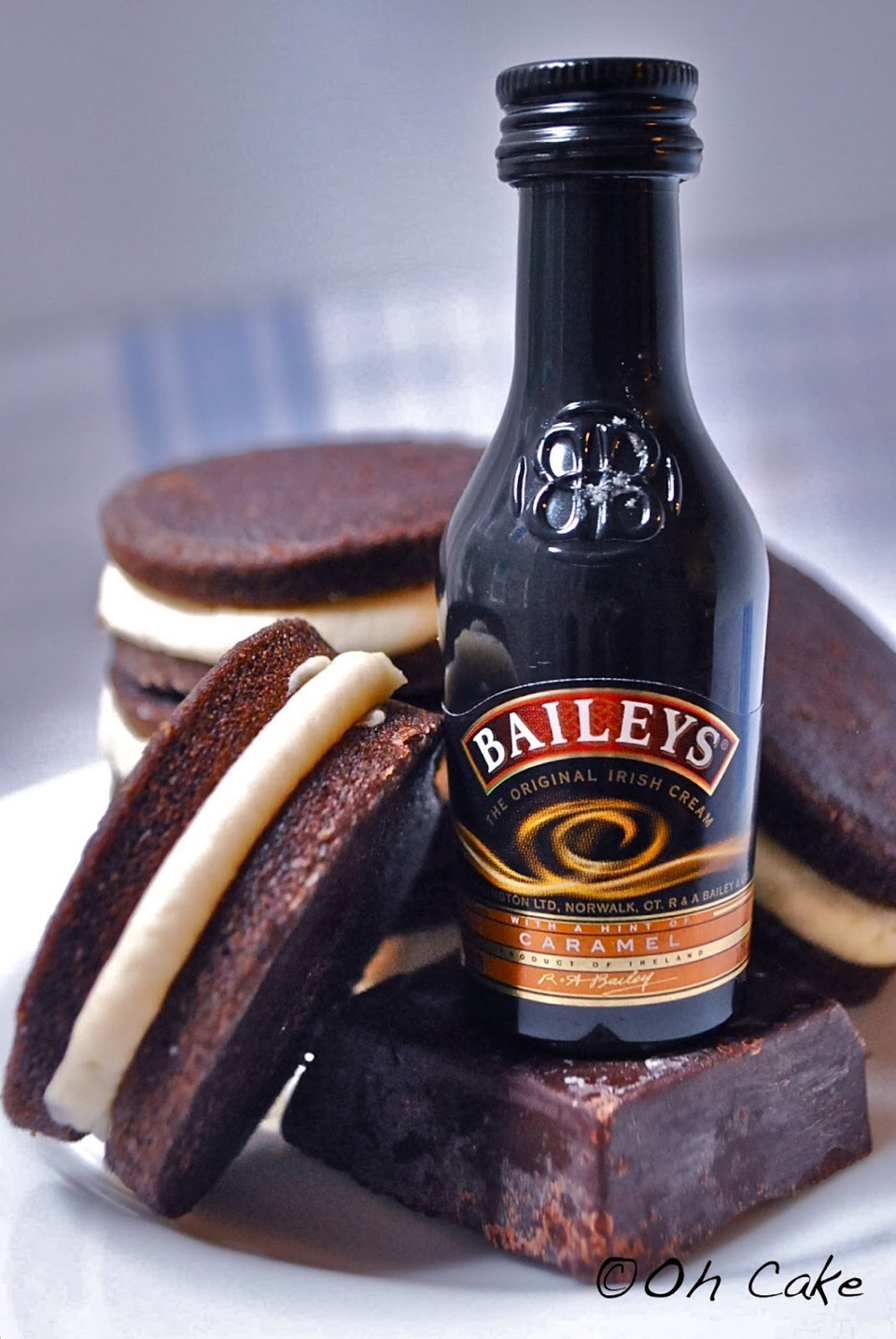 For the Bailey's buttercream frosting: 8 tbsp. unsalted butter, at room temperature 3-4 cups confectioners' sugar, sifted 4-8 tbsp. Bailey's Irish cream