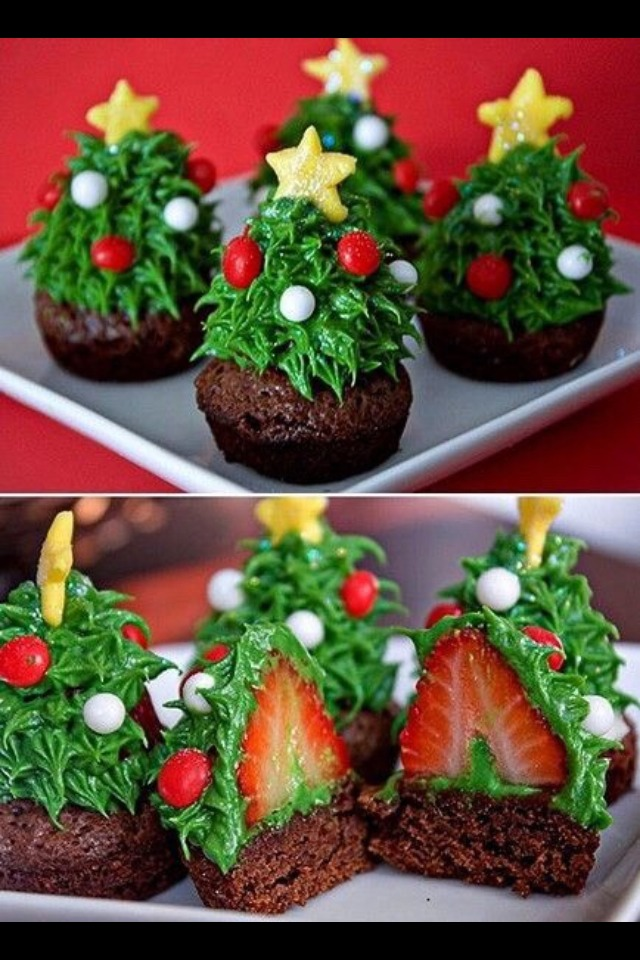 Mini cupcakes strawberry  green frosting  Christmas M&Ms