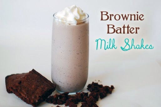 Today I'm going to make a brownie milkshake !!! It is super easy to make and it's perfect for anyone who's loves chocolate🍫 I hope you love this recipe and don't forget to like and share my page👍
