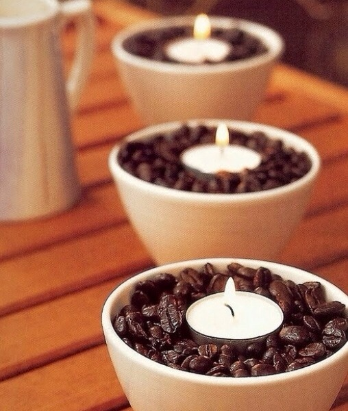 The warmth of the candle make the coffee beans smell amazing! The nice aroma of coffee throughout the room