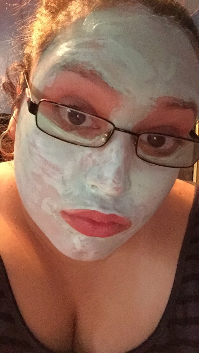 I look awful but this is how it looks when the mask dries 😂