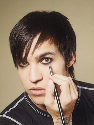 RIGHT YOU KNOW WHAT?! THAT FAILED IM GONNA GO ALL OUT PETE WENTZ ON THIS SHIT! FULL ON EMO EYELINER!