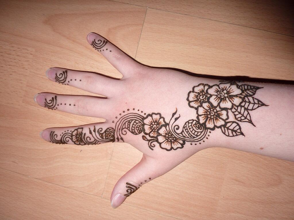 Cool Henna Designs By Maya Thomas Musely