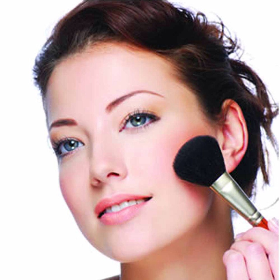 7 Blush Application Tips For Your Face Shape! -->