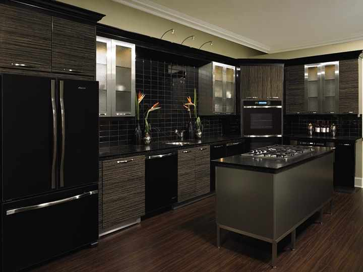 make your kitchen black so you dont get stans so easily