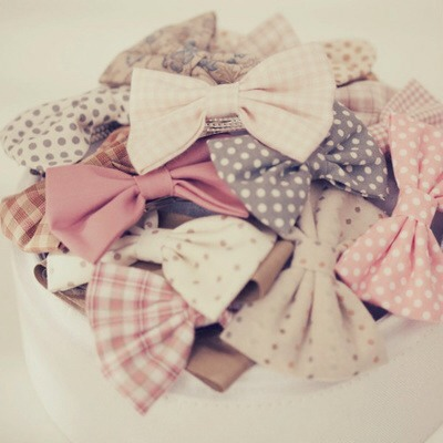 I've made heaps of these cute bows, and it is really EASY!!!! Why not take a look👉