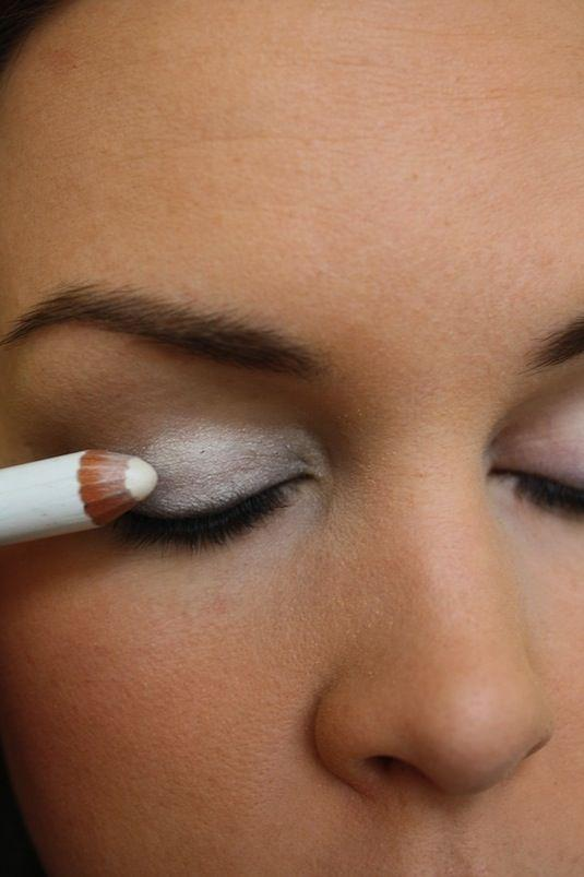 11. Make Eyeshadows Pop Have you ever purchased a vibrant color of shadow that once applied appears rather dull? The key to making those colors pop is a white base. Use a white eyeliner and cover your entire lid before applying the color of your choice.