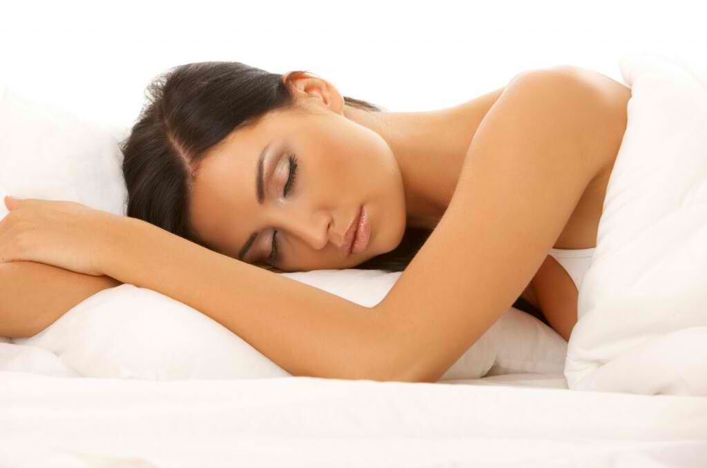 Sleep through the night Add this to the list of reasons to hit the sack. When you get adequate rest, your levels of ghrelin, the hunger hormone, go down, meaning you'll eat less without trying. Experts estimate that compared to getting seven-to-eight hours of sleep per night.
