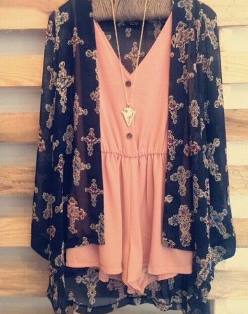 I'm in LOVE with rompers, and cardigans so this outfit had to go on my must haves list☀️