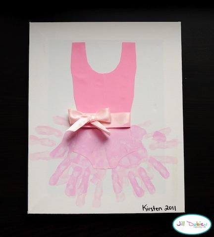 This is a great way to memorialize your little ones ballerina days!  USe their hands for the Tutu!  Please like and share!  <3
