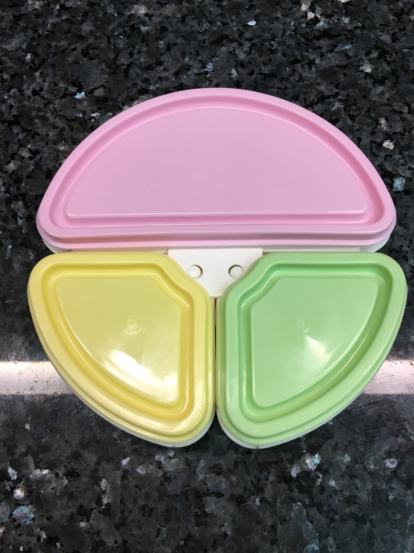 This plate made by MoMo Baby is awesome for travel! It comes apart to become 3 separate bowls for easy storage.I use mine for my toddler when flying in her diaper bag with fruit, veggies, crackers,even minipb & j sandwiches. I found this one onAmazon.
