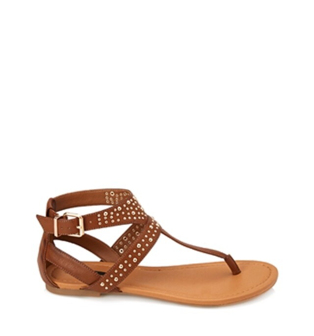 Sandal for the spring time is a must have