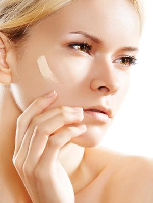 3. Make A Tinted Moisturizer Mix a few drops of foundation with your moisturizer to make a tinted moisturizer for days when you don't need that much coverage.