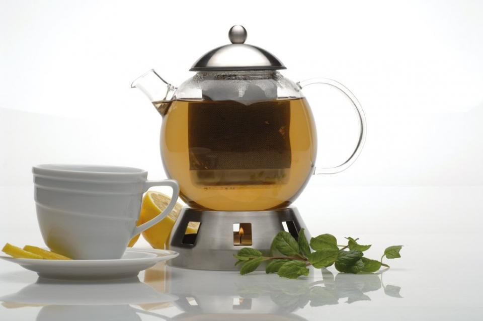 Glass Teapot with Warmer Link: http://homegadgetsdaily.com/fancy-addition-to-any-kitchen-glass-teapot-with-warmer/