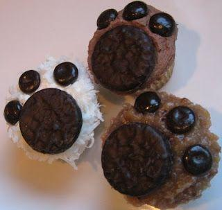 "gredients: Your favorite cupcakes Icing, Mini York Peppermint Patties Jr. Mints Candies Flaked Coconut (optional, if you need some ""fur"") Directions: Frost cupcakes with your choice icing, depending on what color ""paws"" you want."