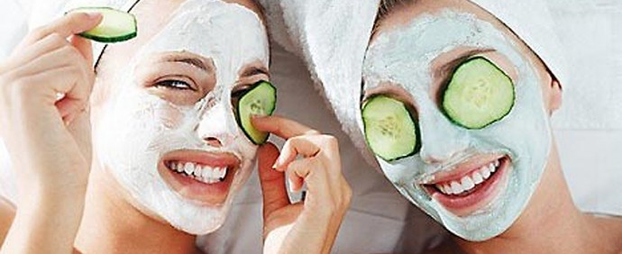 Now let's wash your face and put on a face mask! But if you want to make your own just read my tip on diy face masks (coming soon)! Now let's add a chilled cucumber, potato or even teabags! When your face mask is dry wsh it off and spray some rosewater on your face and let air dry.