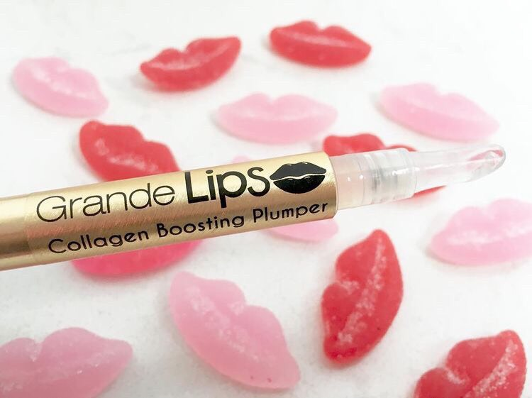 -Twist the bottom of the bottle to fill the applicator with product.  -Use at night, before bed on clean, dry lips.  -Apply again throughout the day with your other lip products or wear alone.  -For maximum results, apply twice daily for 30 days.