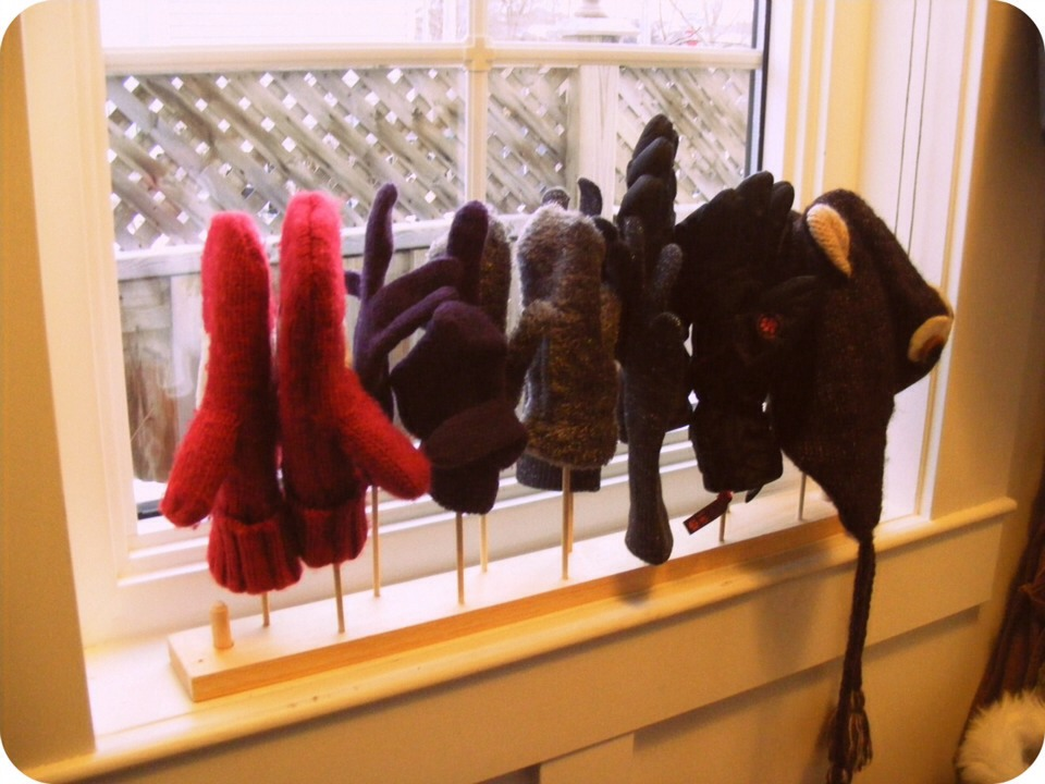 Cute idea for drying your hats and gloves after playing out in the snow!
